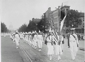 Ku_Klux_Klan_members_march_down_Pennsylvania_Avenue_in_Washington,_D.C._in_1928